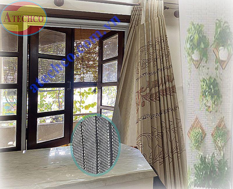 cửa lưới chống muỗi tự cuốn lên